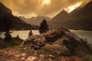 Красивое далёкое озеро Дарашколь